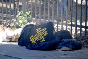 homeless-vet-sleeping-600x400.jpg